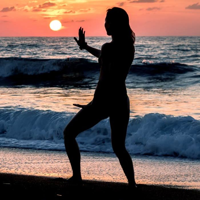 qigong-on-beach